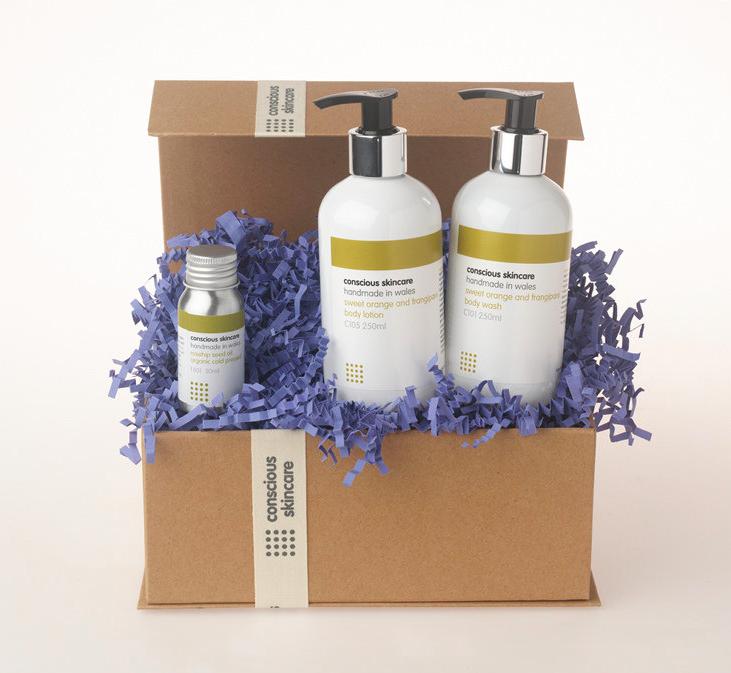 Luxury Organic Body Set in Sweet Orange and Frangipani fragrance. 100% Chemical Free. Organic Skincare - Body. Find it here.