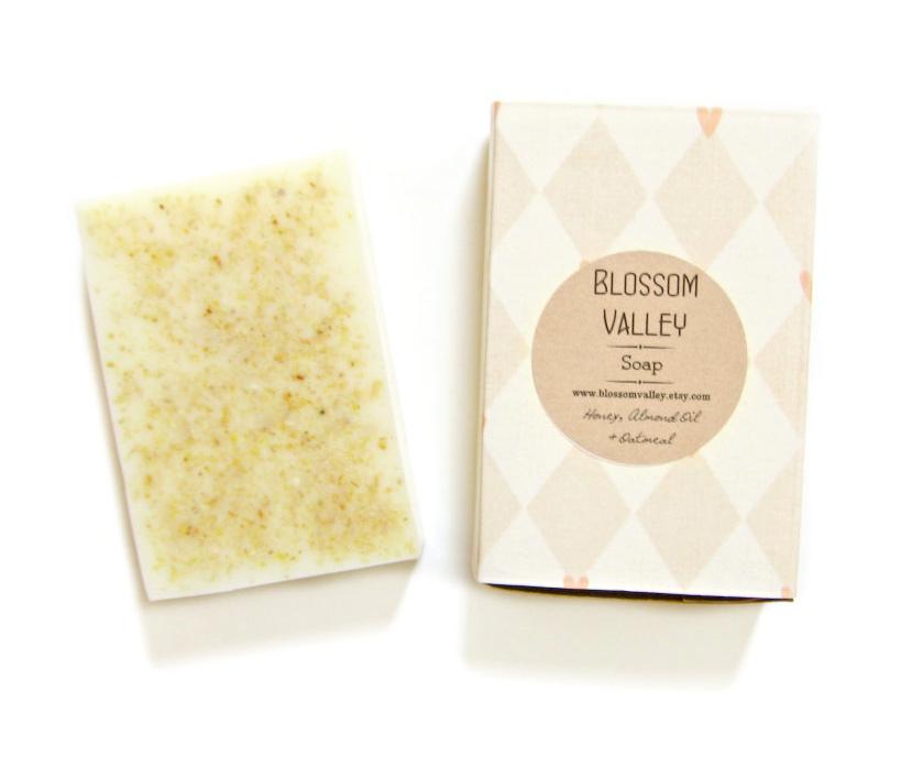 Honey, Almond Oil & Oatmeal Soap - Handmade soap, oatmeal soap, Essential oil soap, Natural Soap, Honey Soap. Find it here.